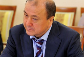 Мелис Турганбаев мурдагы жана азыркы министрлерден эң кирешелүү болуп чыкты.