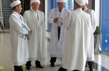 Имамдар кайрадан аттестациядан өткөрүлөт