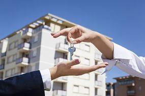 Хотим купить квартиру в Петербурге. Стоит ли влезать в ипотеку?