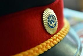 Бишкекте мас милиция кызматкери жөө жүрүүчүгө ок чыгарды