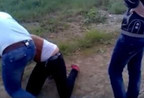 Окуучу кызды сабады деп студент кыздар шектелүүдө