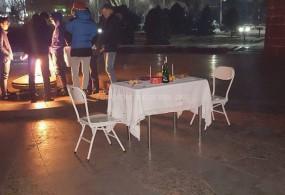 Бишкектиктер Өчпөс отто картөшкө бышырып жеп жатат