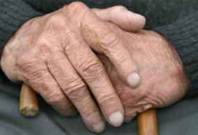 Бишкекте уулу бир жумага үйүндө бекитип кеткен кары ата-эненин бири көз жумду