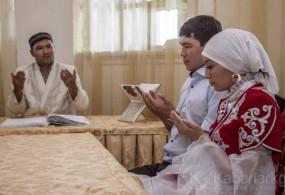 Кыргызстанда көп аял алууга калктын 67,5 пайызы каршы