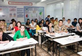 Сыноо тести: Орус класстар кыргыз тилинен тест тапшырууга даяр эмес