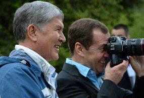 Алмазбек Атамбаев россиялык жарандардын ишеними боюнча тизмеде             6-орунда