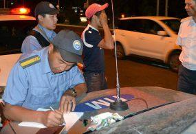 Бишкекте жол кыймылын жөнгө салган студент кармалып, жазага тартылды