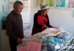 Нарын облусунда өткөн айда төрөлгөн 3 эм апасы менен төрөт үйүнөн чыгарылды