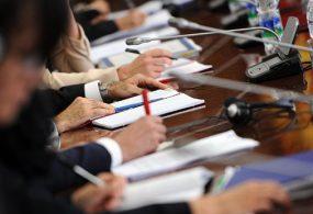 Депутаттар мэрди кызматтан алуу чечимин ал эмгек өргүсүнө кетип калганы менен негиздешти
