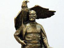 Памятник Бишкек баатыру. Пять эскизов прошли во второй тур