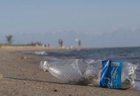 Использовать полиэтилен и пластик на территории Иссык-Куля могут запретить