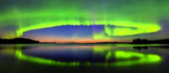 Северное сияние раскрасило небо над Лапландией