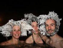 Канадцы соревнуются, у кого круче замерзнут волосы