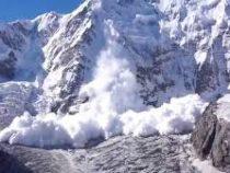 Осадки привели к опасности схода лавин на горные участки дорог