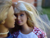 В США начнется производство кукол Барби с инвалидностью