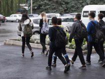 Азербайджан построит вБишкеке школу ипарк