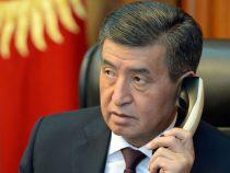 Жээнбеков переговорил по телефону с Рахмоном
