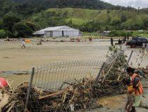 Наводнения в Индонезии унесли уже 77 жизней