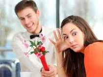 Эксперты дали совет, как реагировать на неуместные подарки