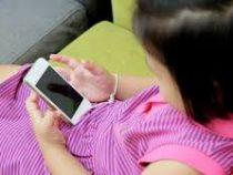 Незаменимая игрушка. 85% детей не могут обойтись без смартфона
