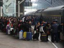 В Китае 23-м миллионам человек в прошлом году запретили покупать билеты на самолеты и поезда