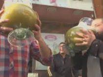 12 литров сока за раз предлагают выпить в кафе в Египте