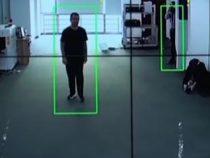 Разработана новая система, которая узнает любого человека по его походке