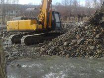 В Тонском районе укрепляют берег реки Ак-Терек