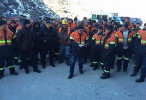 Рабочие компании, разрабатывающей месторождение Талды-Булак Левобережный, вышли на митинг
