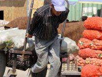 Каждый третий житель Кыргызстана -бедный
