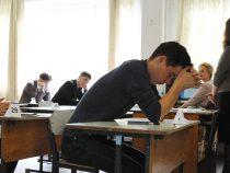 Выпускники школ начнут сдавать экзамены с 3 июня