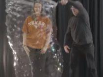 Трюкач, использующий мыльные пузыри, стал мировым рекордсменом