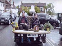 Британский автолюбитель создал диваномобиль
