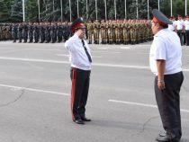 В Бишкеке состоялся гарнизонный развод милиции