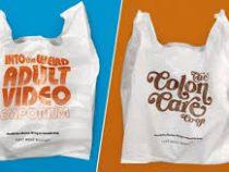 Канадский магазин выпустил пластиковые пакеты, которые стыдно покупать