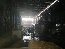 Пожар в мебельном цехе в центре Бишкека локализован