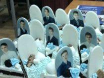 «В последний путь»? Красноярские выпускники получили торт с надгробиями