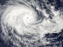 К Японии движется тайфун