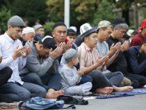 В Бишкеке прошел праздничный айт-намаз