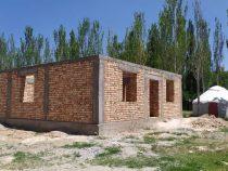 В Иссык-Кульской области строят дома 15 для нуждающихся семей