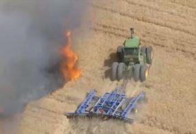 В США отважный фермер, рискуя жизнью, остановил пожар на поле