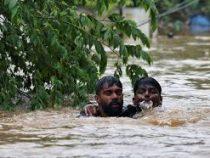 Более миллиона индийцев покинули свои дома из-за наводнений