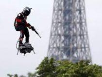 Почти перелетевший Ла-Манш на доске француз свалился в воду