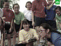 ВСети набирает популярность кажущееся цветным черно-белое фото