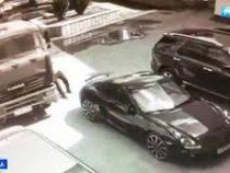 Водитель голыми руками остановил «КамАЗ», чуть не протаранивший дорогой спорткар