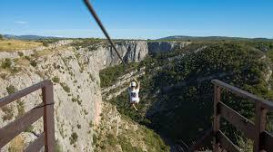Захватывающий дух зиплайн предлагают туристам в Хорватии