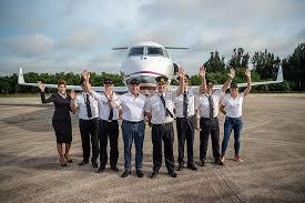 Международный экипаж установил новый мировой рекорд поскорости облета Земли насамолете