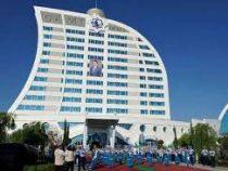 В Туркменистане чиновников обязали отдохнуть на курорте