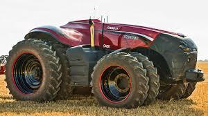 Беспилотный трактор представили в Великобритании