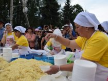 В Караколе приготовили рекордную порцию ашлям-фу